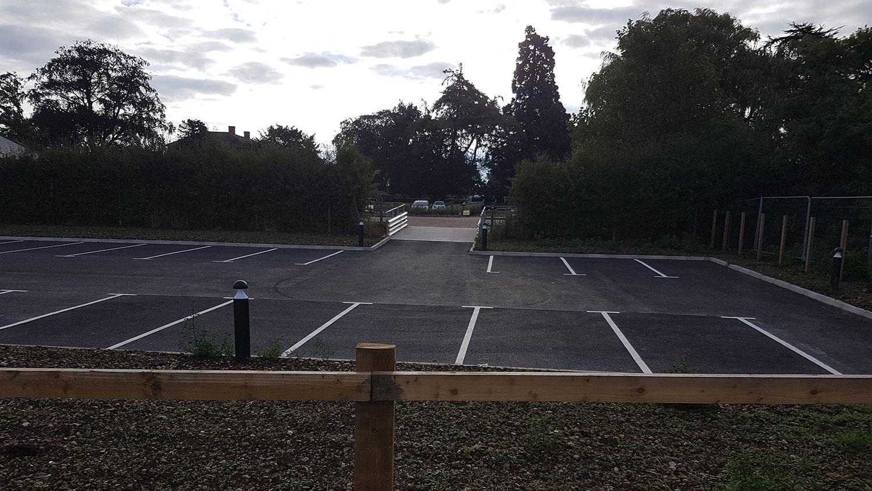 School-in-Lincolnshire-car-park_073636